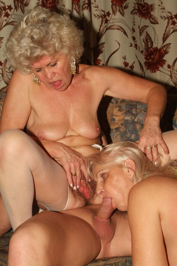 Секс с красивыми пышными старушками пощупала